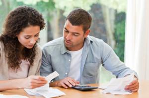 coupleCalculatingFinances